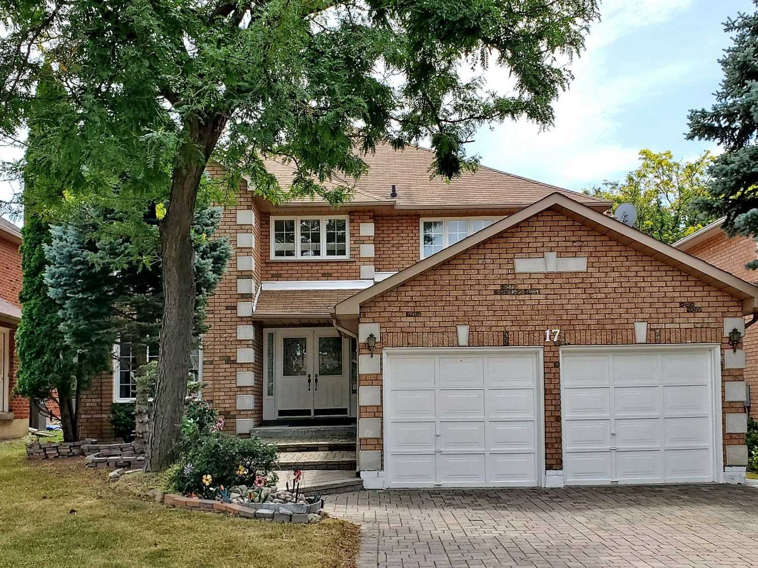 Detached 2-Storey. 17 Fanshawe Dr, Richmond Hill